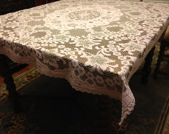 Pink Filet Tablecloth