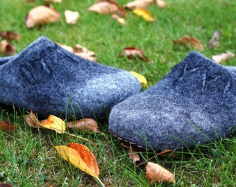 Grey wool felt slippers. Felt shoes for men. Felted slippers. Felt shoes. Handmade slippers for men.