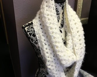 Vanilla cream scarf