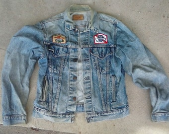 rEtRo Levis  JEAN jacket (L) with patches