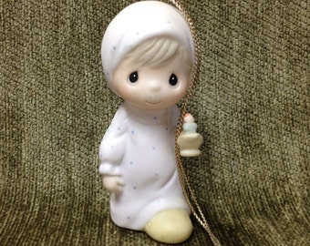 """Precious Moments Ornament By Enesco, """"Jesus is the Light That Shines"""", Child Holding Candle, E0537, 1983"""