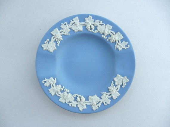 Items similar to jasperware ashtray wedgwood blue Wedgewood designs