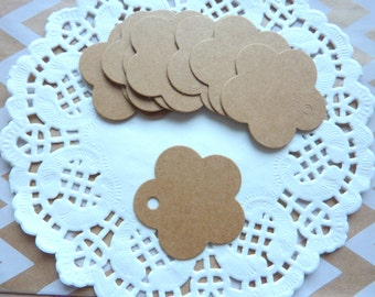 25 Small Flowers Shaped Kraft Paper Gift Tags Price Tag Crafts 4 x 4cm