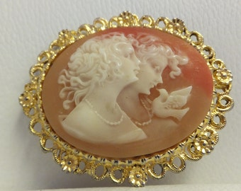 Vintage Cameo Brooch on gold tone setting