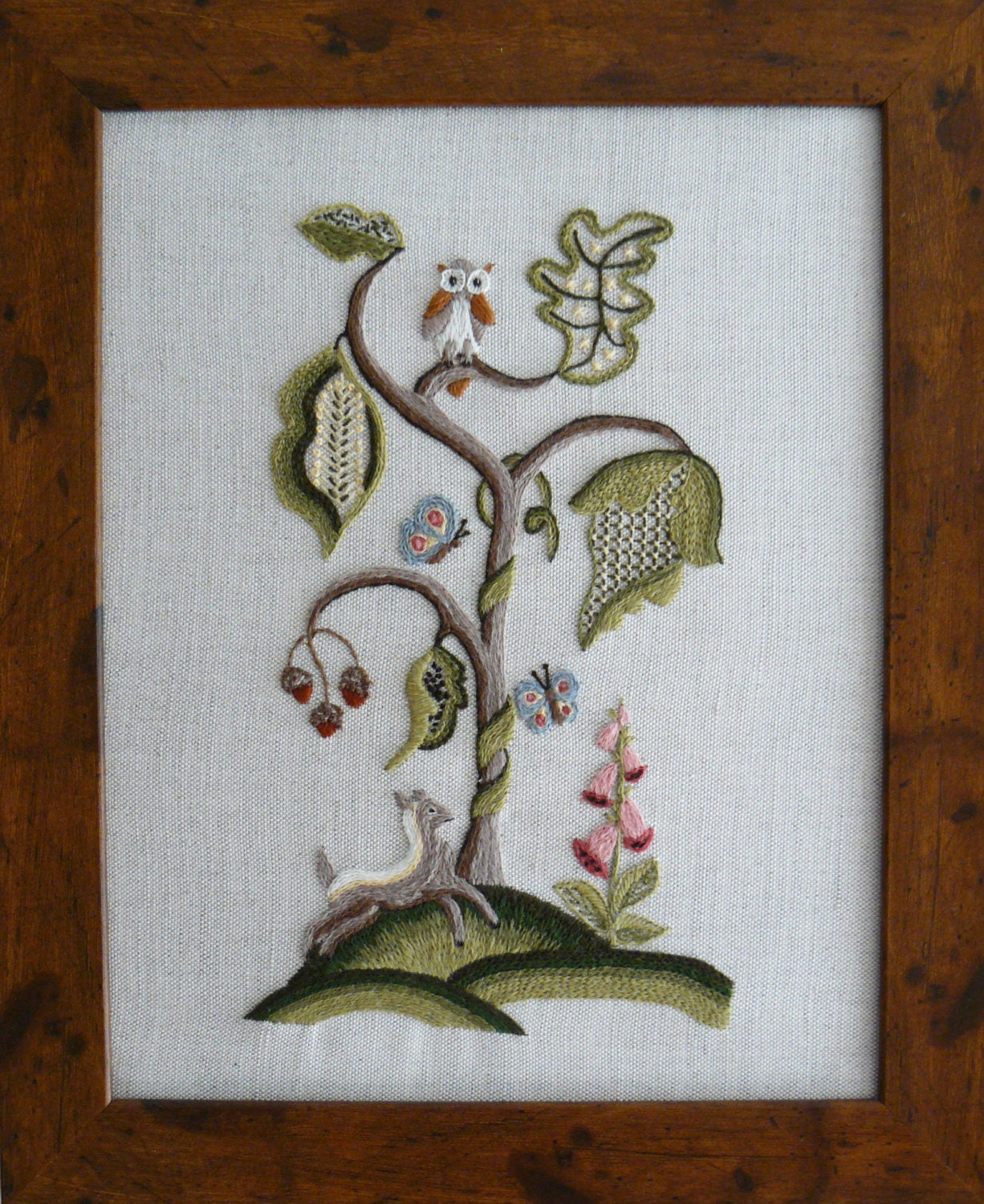 CW 416 Woodland Fawn Under The Tree Crewel Embroidery Kit