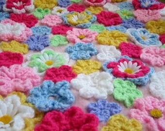 DIY crochet flower pillow pattern - crochet floral pillow pattern - crochet flower patterns