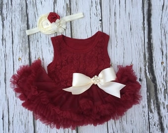 Baby girl first Christmas outfit. 1st Christmas outfit. Holiday outfit. Baby girl Christmas dress. Red baby dress.  Baby pettidress.