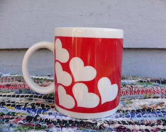 FREE SHIPPING! Vintage Hearts Mug Red and White