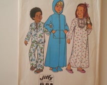 70s nightgown/Childrens robe/hood/girls/boys pajamas/pockets 1976 Vintage sewing pattern, Breast chest 22, Waist 20, Size 3, Simplicity 7730