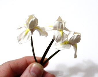 Iris Hair Pins, White Iris Hair Flowers, Iris Hair Clips, Iris Flowers for Hair, Birthday Gift Idea, Wedding Hair Accessories Set