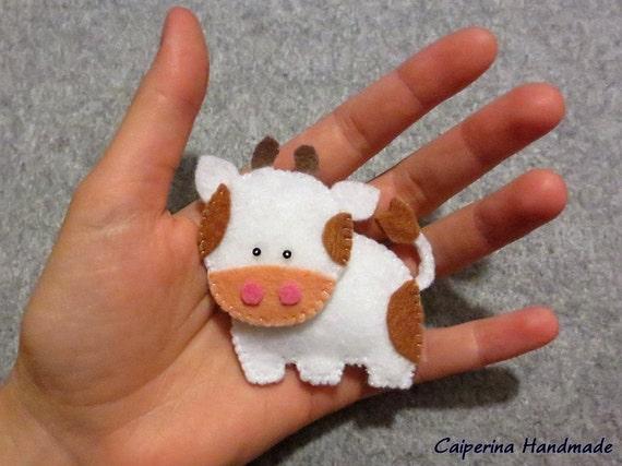 Articoli simili a mucca in pannolenci portachiavi su etsy for Portachiavi pannolenci