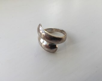 Sterling Modernist Ring -- 107