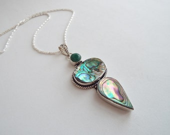 Pendant tibetan Silver with abalone shell and emerald