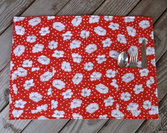 Floral fabric placemats, quilted placemats, handmade placemats, table decor, set of 8, floral, red and white