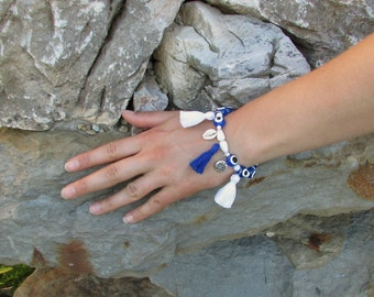 White and blue beaded ,,Eye'' bracelet with tassels and pendants, Beaded jewelry, Summer beaded bracelet with tassels