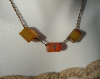 Bakelite Apple Juice Necklace and Bracelet Set