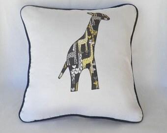 Cushion Cover - Pillow Cover - Giraffe