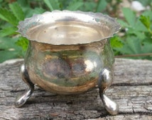 French vintage small cauldron, small incense burner, pocket altar kit, wiccan altar decor, vintage EPNS, silver plated witches cauldron