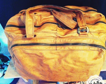 Vintage Leather travel bag with 30 cm height Made in Italy, tuscany signed sepia depth cm 55 cm length 33