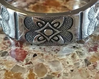 An ornate designed spoon ring. R168