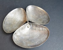 Silver Toned Metal Divided Clam Shell Server with Shell Handle