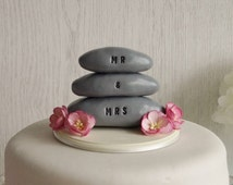 Pebble Cake Topper - Beach Wedding Cake Topper - Nautical Wedding Cake Topper - Beach Wedding - Mr and Mrs Cake Topper - Coastal Wedding