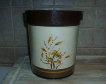 Vintage 1982 Thermo Serv plastic decorative ice bucket