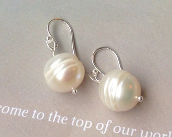 Pair of Baroque Cream White Pearl earrings, pearl earrings, batoque pearl, June birthstone,sterling silver,gold filled
