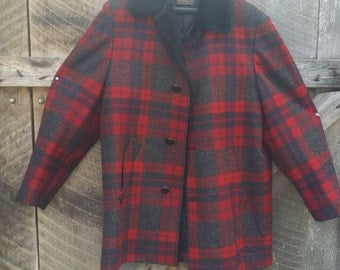 Vintage plaid Pendleton coat great condition