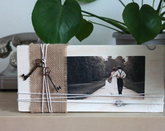 Photo Frame, Rustic Wood Block Photo Frame, Wedding Table Centerpiece, Rustic Wood Photo Display, Wooden Picture Display
