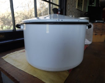 Large White Enamelware Pot, Large White and Black Enamelware Soup Pot with Lid