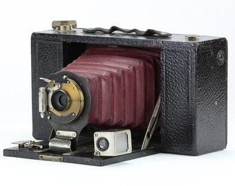 Antique 1909 Kodak No.3 Folding Brownie Model D Camera w/Red Bellows