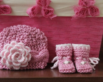 Knitted baby girl hat and booties. Baby girl knitted hat and booties. Flower knitted hat. Hat with pearls. 0-6month