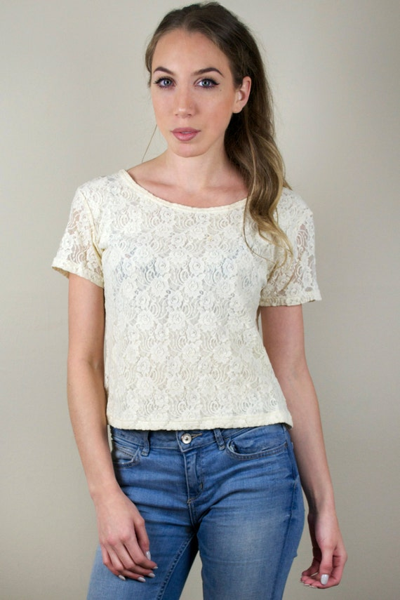 Vintage Womens Ivory Pretty Lace Floral Rose Embroidered Scoop Neck Cap Sleeve T-Shirt