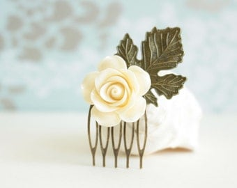 Small Floral Hair Comb, Ivory Rose Comb, Cream Rose Comb, Bridal Accessory, Bridesmaid Gift, Bridal Jewelry, Brass Leaf Comb, Romantic Hair