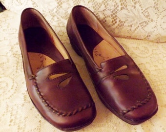 Clarks Brown Natural Leather Casual Loafer Flower Pattern Size 7 M