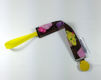 Pacifier Clip, Binky Clip, Passy Clip,  Paci Clip,  Cupcakes, Fits All Pacifiers!