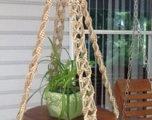 Macrame hanging table in jute colored 6 mm Polyolefin, unique, stylish design flower hanger or rustic wedding cake table