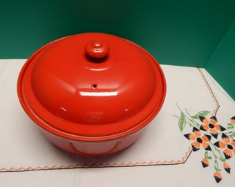 """Vintage Red Casserole with Cover 9"""" x 4""""  HALL'S Superior Quality Kitchenware in Great Retro Condition White Spots are from the lighting."""