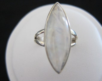 Moonstone Sterling Silver Ring Size 8 (147)