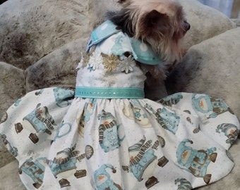 Clearance sale, Pretty blue reversible dog dress