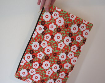 Retro Print Clutch Bag