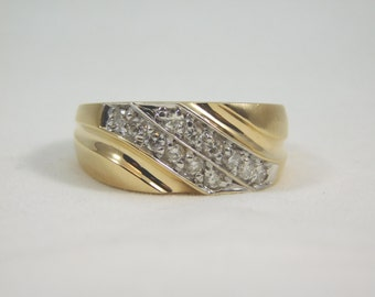 Gents 14kt Yellow Gold Diamond Wedding Band