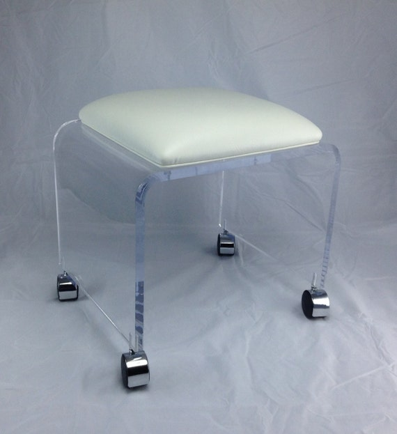Clear Acrylic Vanity Bench With White Vinyl Cushion And Chrome