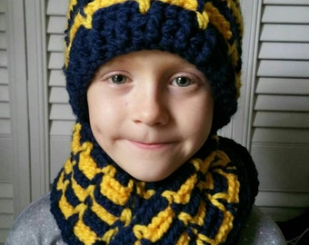 """Scarf/Hat set """"Team Spirit"""" shown in child size in your choice of color/colors"""