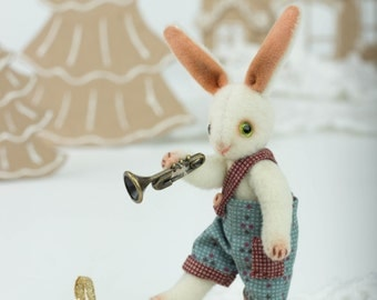 Bunny playing trumpet 3,15 inch OOAK Artist Friend of Teddy Bear
