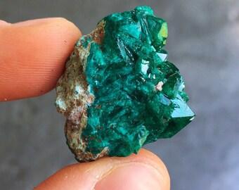 Dioptase crystal - heart chakra crystals - raw dioptase - emotional healing crystals and stones - raw crystals and stones - dioptase love 22