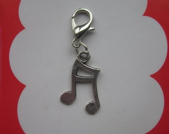Musical note clip-on charm