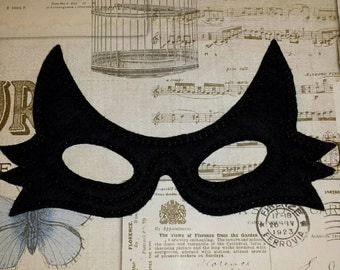 Cat woman super hero inspired mask ITH Project In the Hoop Embroidery Design Costume, Cosplay, Fancy dress, Masquerade, Photo booth, Prop.