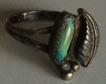 Vintage Native American Indian  Silver and Turquoise Cuff Ring